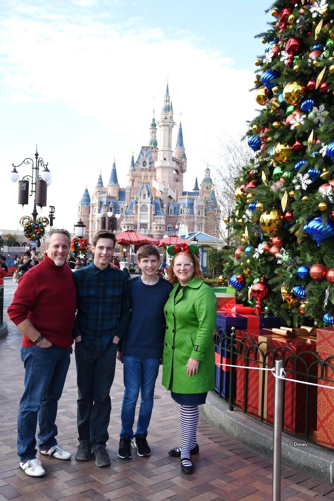 My Wandering Life: Merry Christmas from Shanghai Disneyland!