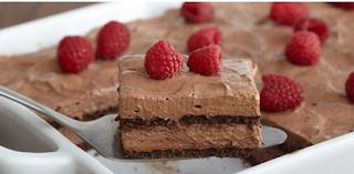 Πανεύκολο σοκολατένιο γλυκό ψυγείου, με 5 υλικά της στιγμής