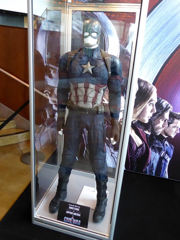 Chris Evans Captain America Civil War movie costume