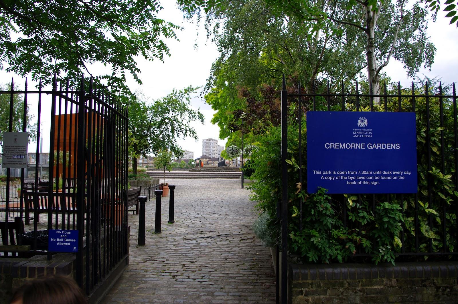 Garden Walk London: London Calling: Cheyne Walk Chelsea. A Very Very Special London Street