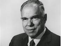 Glenn T. Seaborg - Penemu Sepuluh Unsur Transuranium
