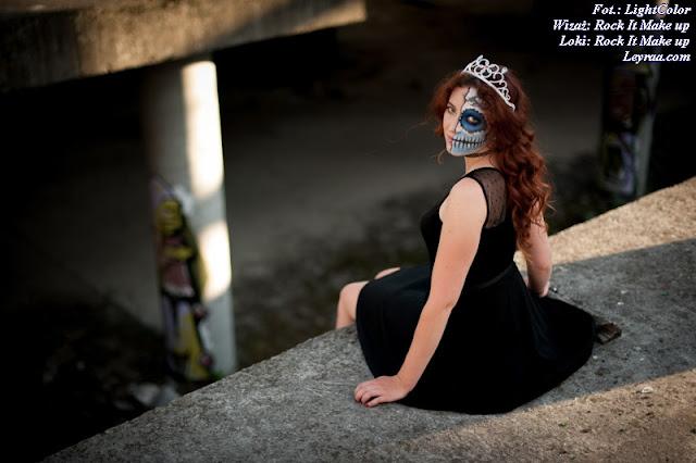 12.07.2017 Czarna mini rozkloszowana z koronką i paskiem, czarne szpilki na platformie, chocker dusik i wisiorek, Muerte make up, Opuszczona galeria Mielec