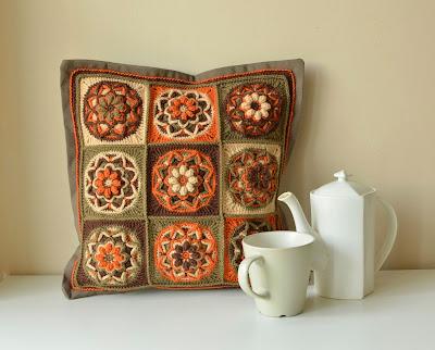 Overlay crochet pillow pattern