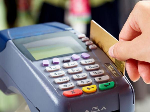 क्रेडिट और डेबिट कार्ड से भुगतान पर अब न सरचार्ज लगेगा न ही सेवा शुल्क