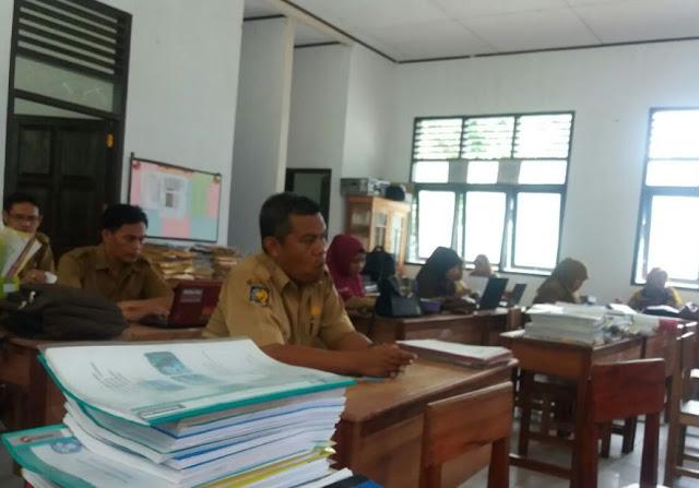 Guru SMKN 1 Berikan Pendampingan, K 13 Di SMKN 2 Bontomanai