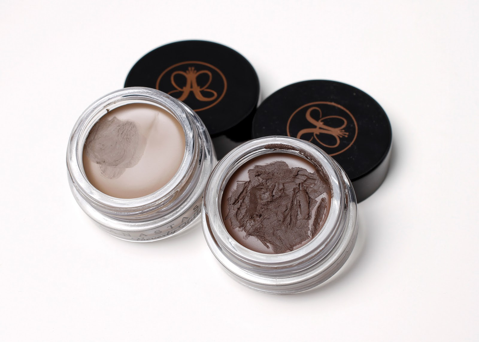 opened dipbrow in dark brown and taupe