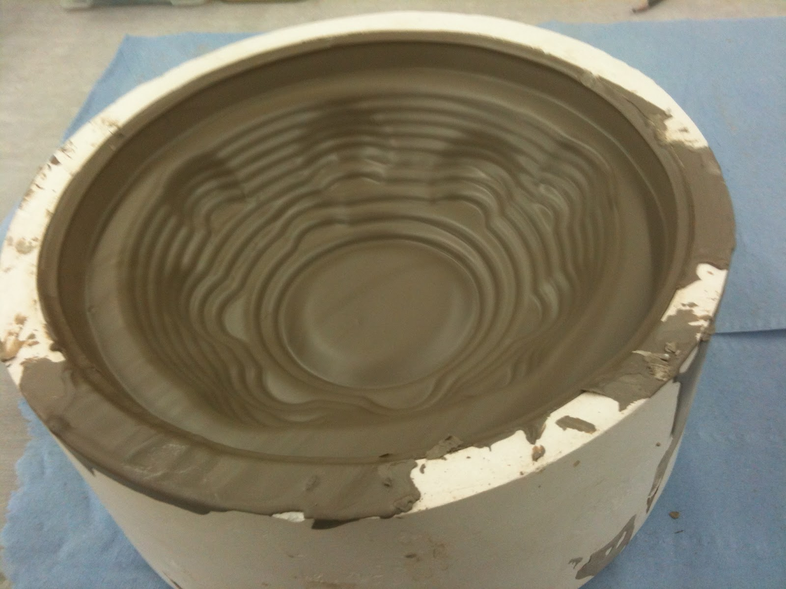 Jade's Design Journal: Bubble Pot and Low Plate