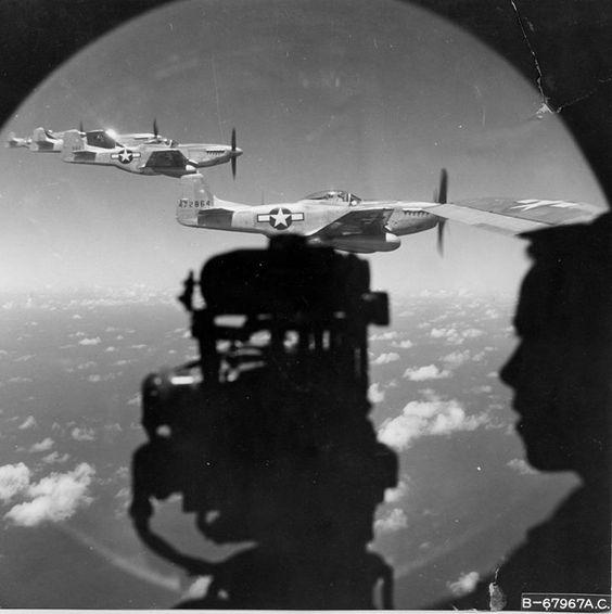 P-51 worldwartwo.filminspector.com B-29 1945