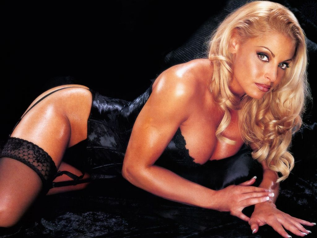 Trish Stratus Hot Sexy Wwe Images  Wwe Hot Divas Images-7366