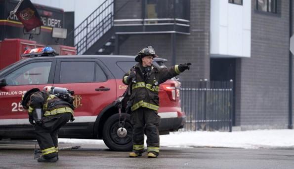 "NUP 186096 0025 595 Spoiler%2BTV%2BTransparent - Chicago Fire (S07E17) ""Move A Wall"" Episode Preview"
