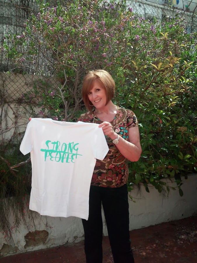 Imagen Camiseta Strong People