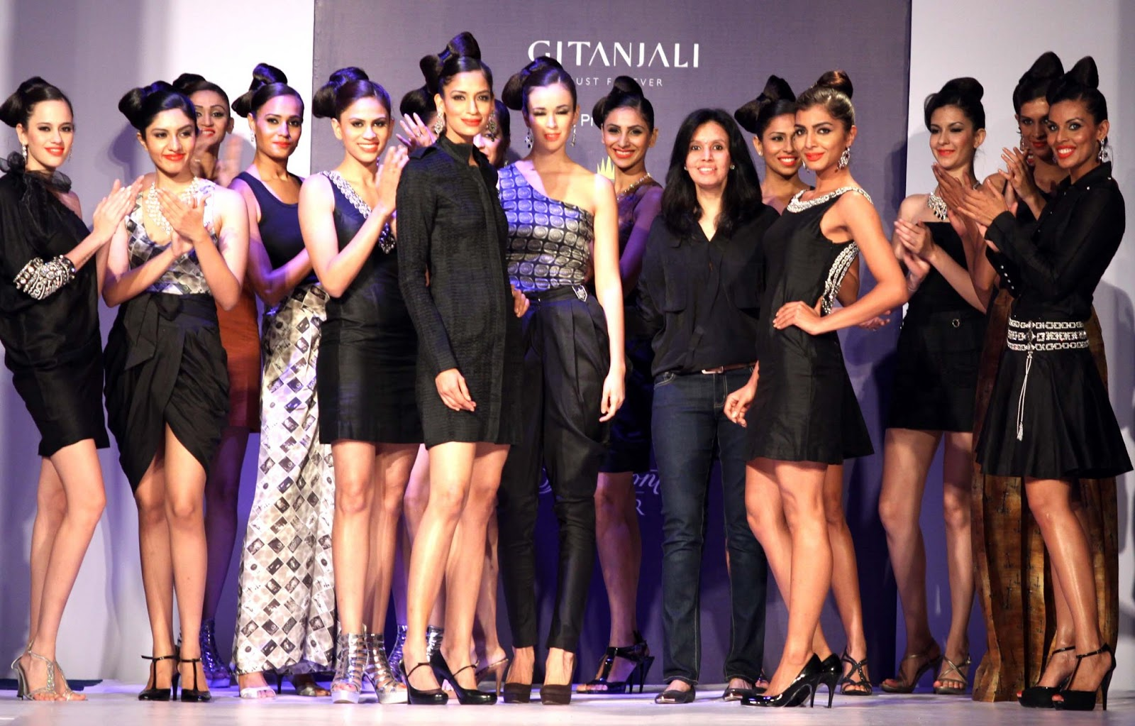 Orient Publication Vikram Phadnis Started The 2nd Edition Of Rajasthan Fashion Week At Fairmont Jaipur