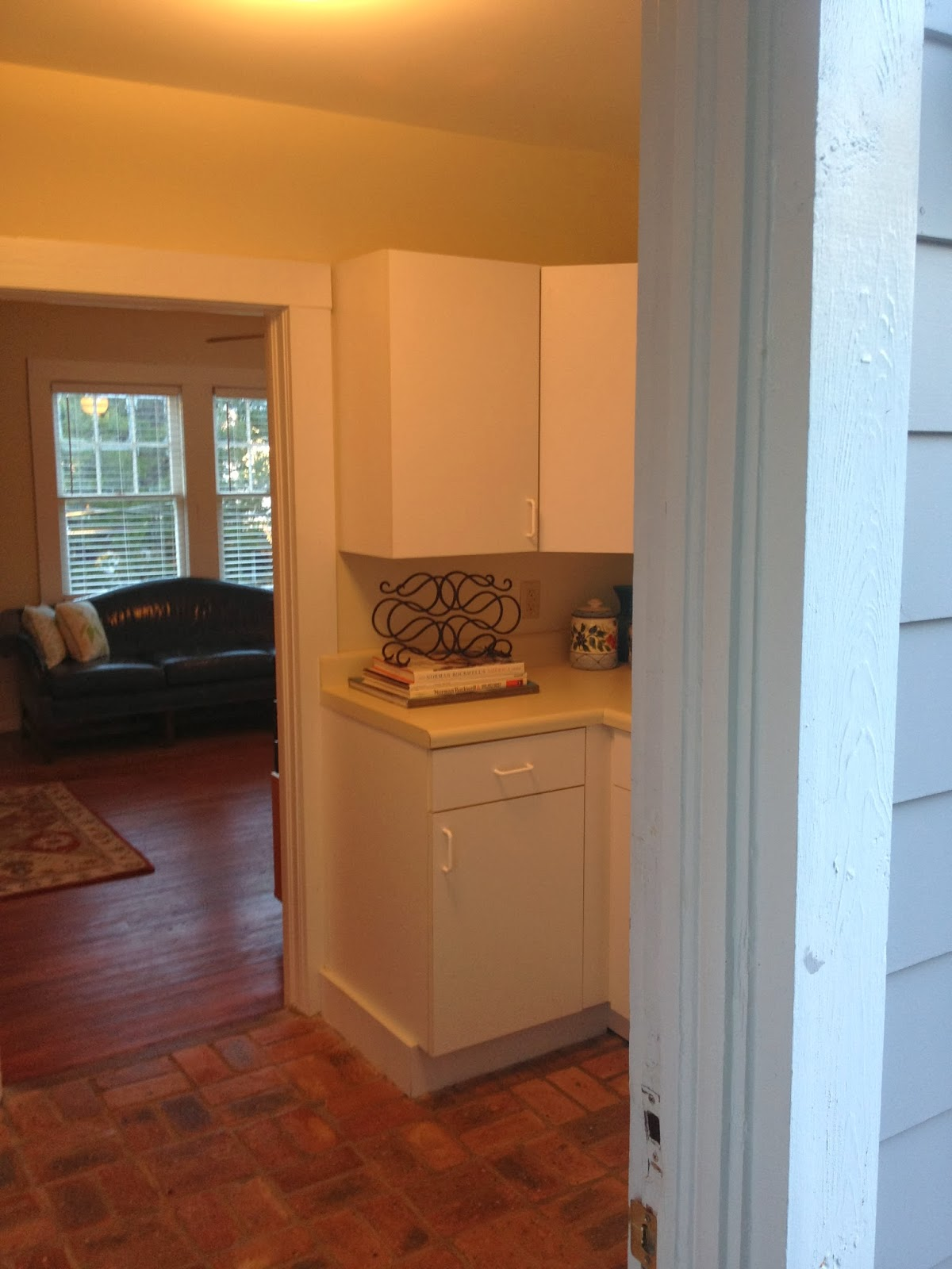 114 Fels Ave., Fairhope: Upstairs Apartment: full kitchen ...
