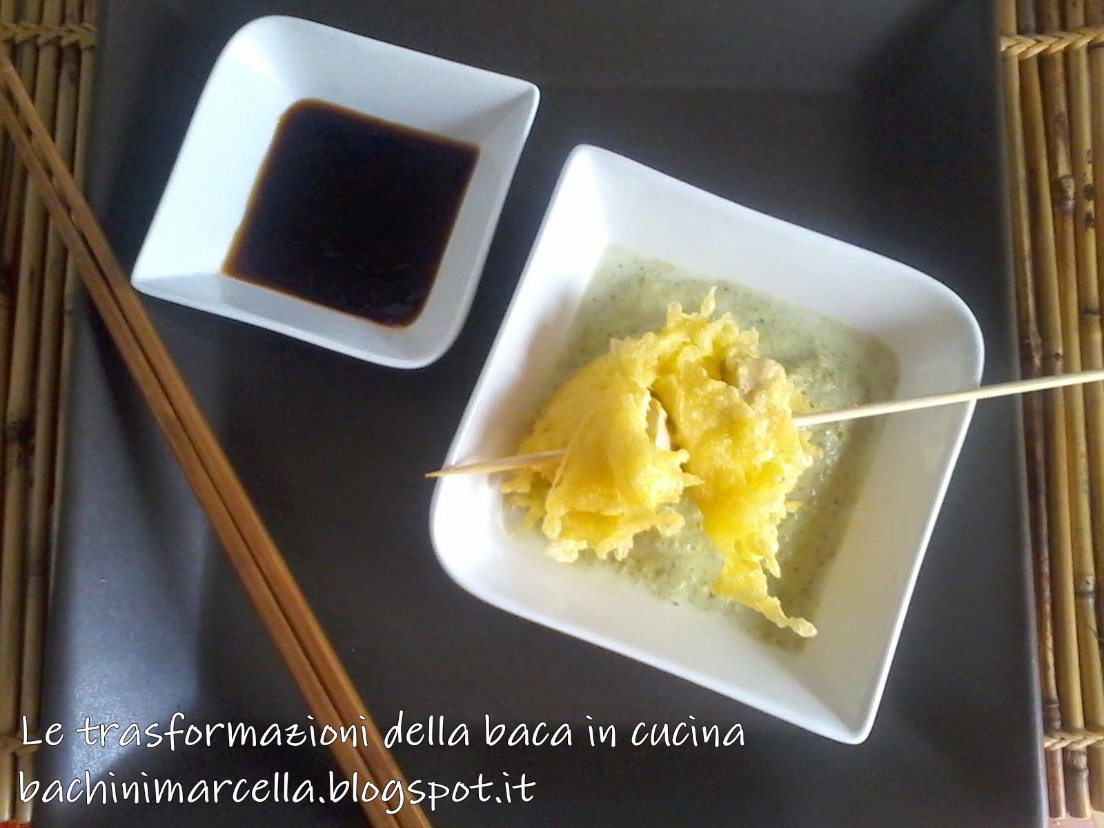Fotografia del piatto crema di broccoli con tempura di tofu e salsa di soia dal blog Le Trasformazioni della Baca in Cucina