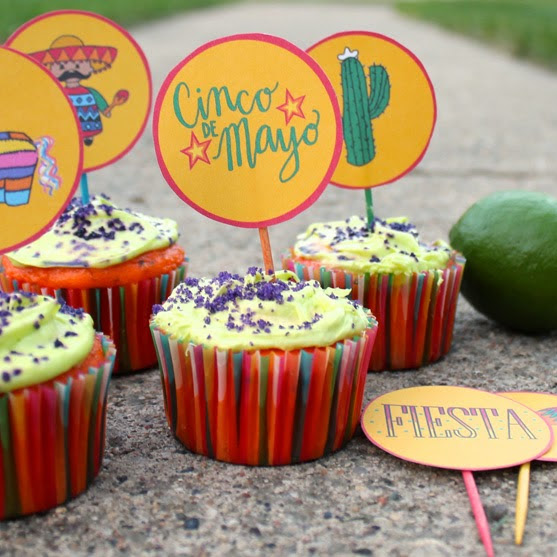 cinco de mayo cupcakes with printable toppers