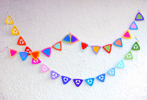 granny square triangle garland crochet pattern
