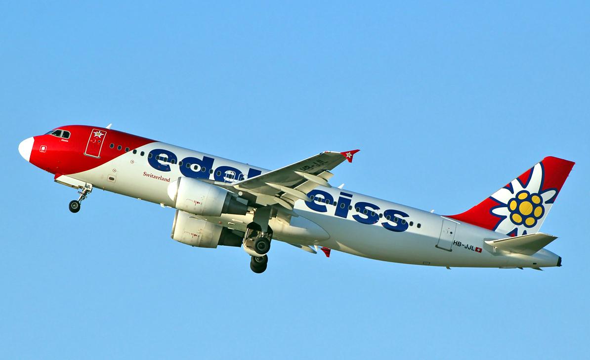 Edelweiss Air Airbus A320-200 Takeoff