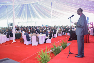 President Uhuru Kenyatta led a congregation in a national prayer breakfast. PHOTO | PSCU