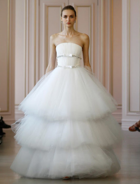 Used Oscar De La Renta Wedding Dress