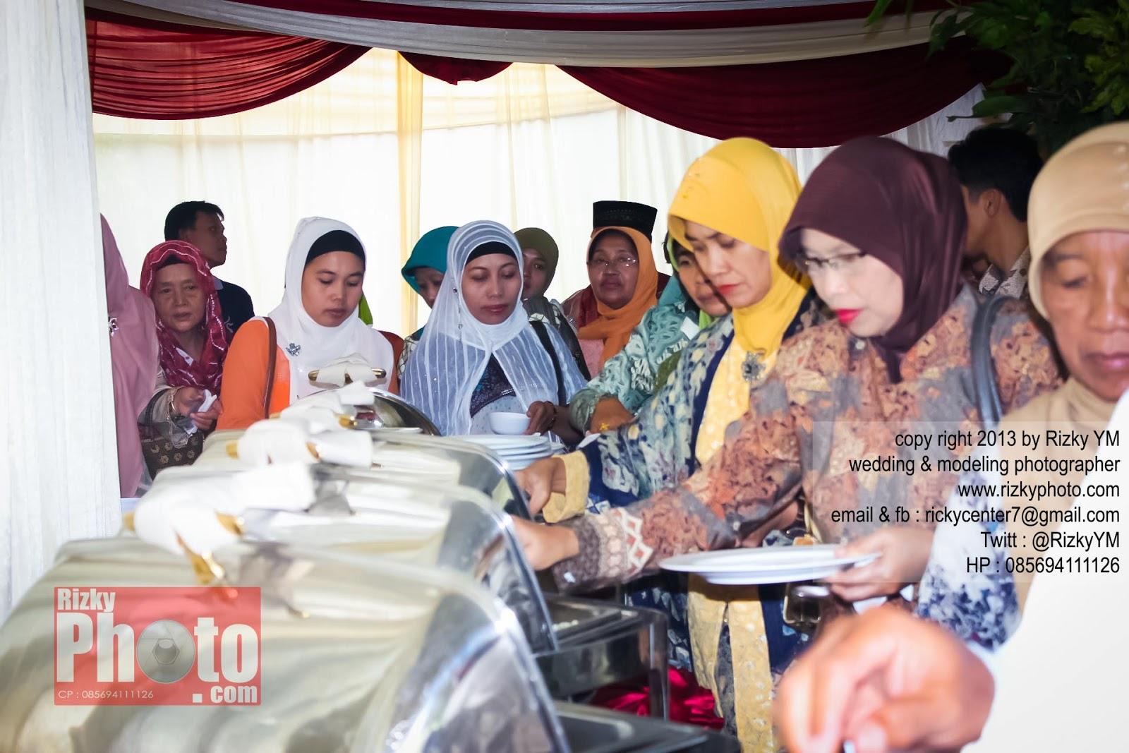 Lihat Fotografer Surabaya Prewedding Dokumentasi Wedding: Fotografer Freelance Surabaya