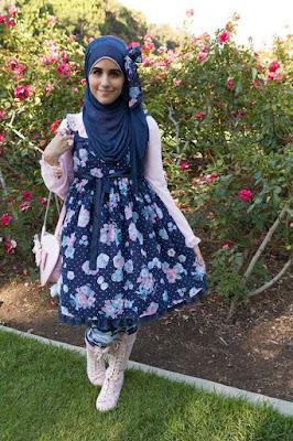 Cewek Hijab Pakai Dress Lolita 70s party Cewek Hijab Pakai Dress Lolita 7up games