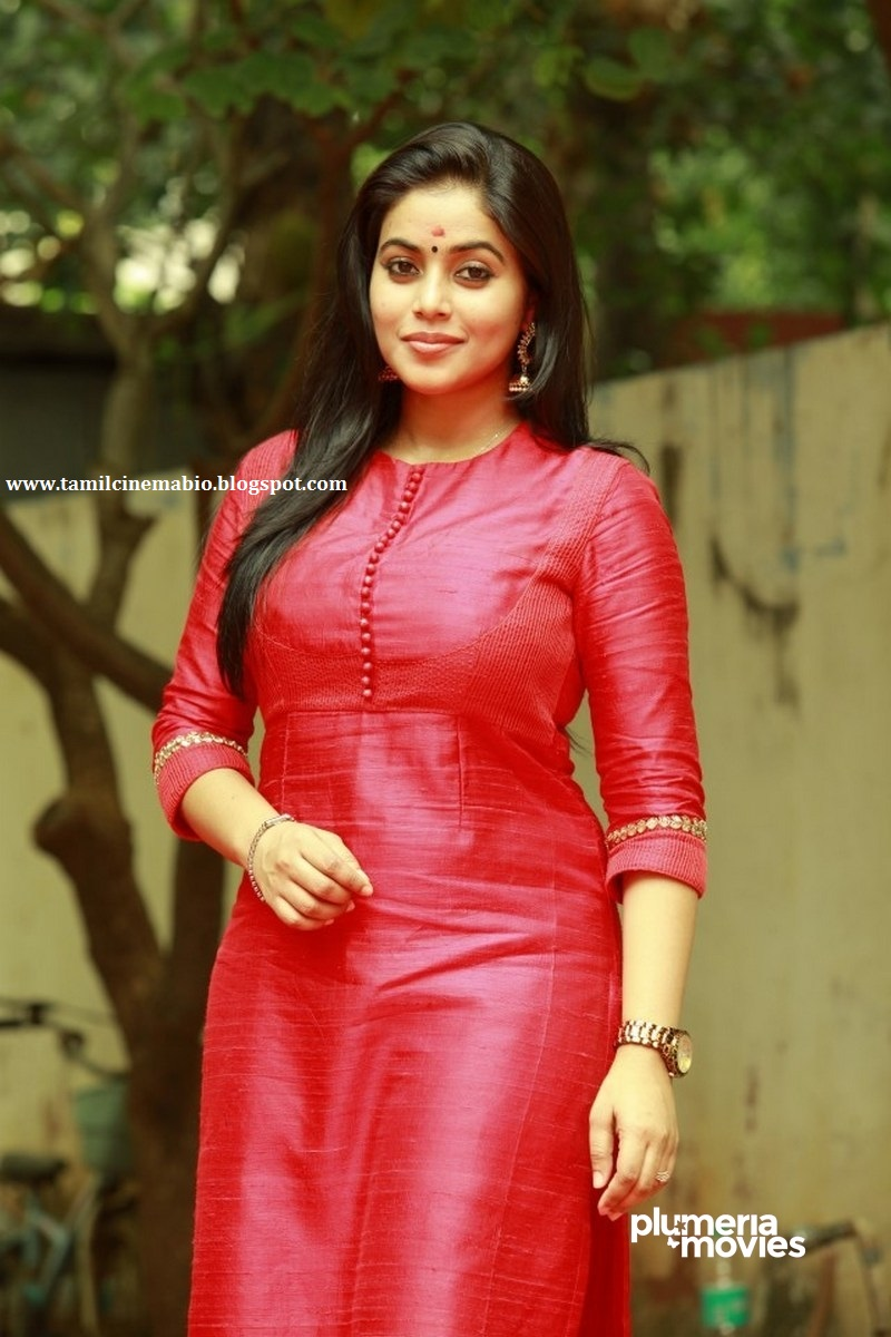 Profile and Biography of Tamil Actress Poorna Profile and