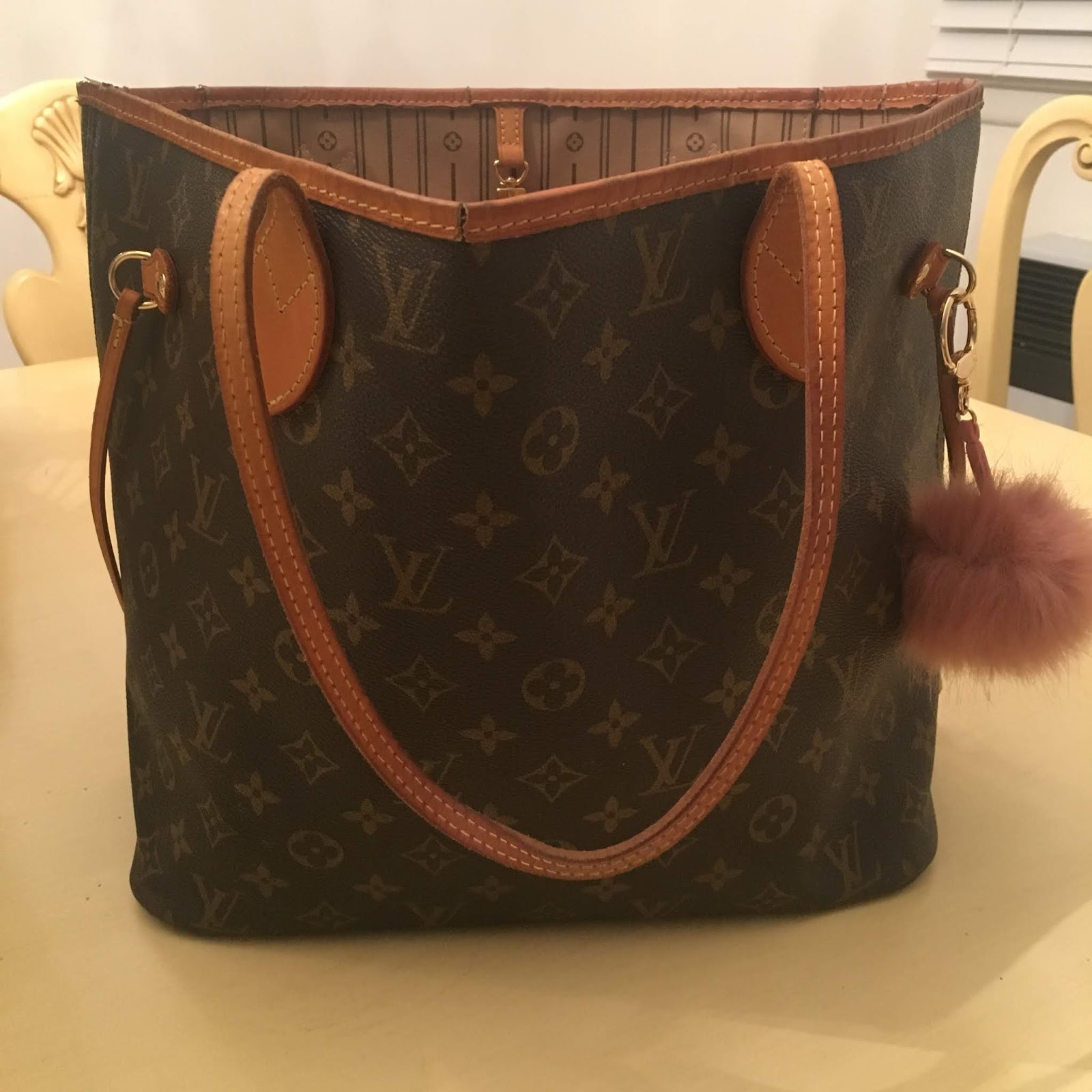51d1f910a46f Handbag Review  Louis Vuitton Neverfull MM - Royally Pink