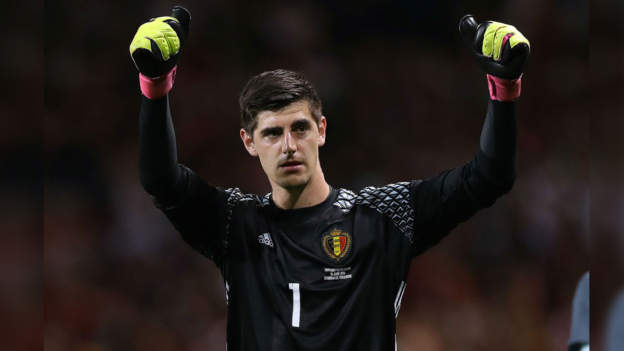 Real Madrid makes official the signing of Courtois
