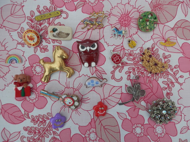 My collection of retro, handmade and charity shop brooches. secondhandsusie.blogspot.com #brooches #charityshopping #charityshopblog