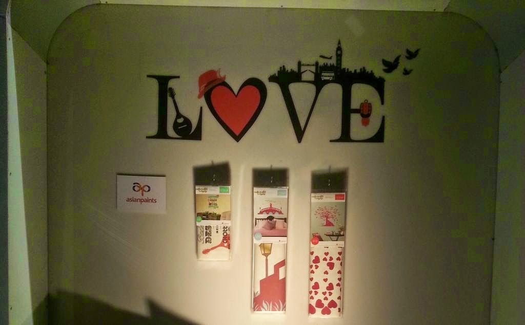 Dilwale Dulhania Le Jayenge stuff: DDLJ Walls Decals and Art