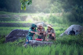 Salah satu pengalaman yang mungkin sulit terlupakan bagi sebagian besar orang adalah peng Contoh Recount Text Tentang Camping dan Terjemahannya