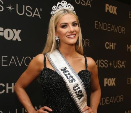 Miss USA forced to apologize for comments she made about the English-speaking abilities of two fellow Miss Universe contestants