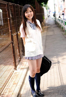 natsumi minagawa sexy schoolgirl outfit 02