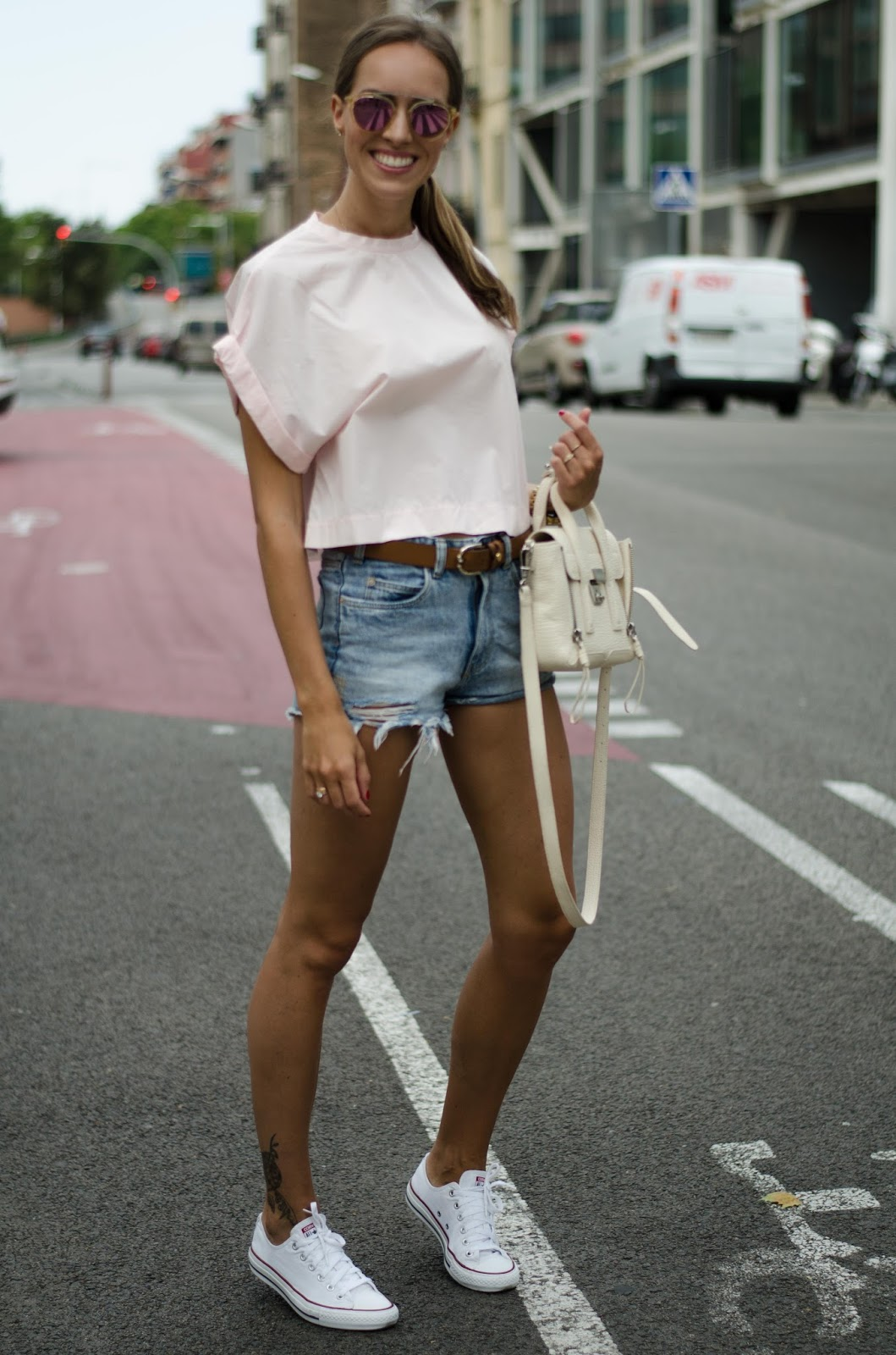 kristjaana mere pink crop top denim shorts summer outfit