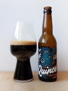 La Quince Young, Gifted And Black IPA La tienda de la cerveza dorado y en botella