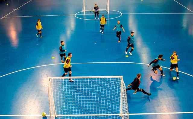 Lapangan Peraturan Dan Teknik Bermain Futsal Kajianpustaka Com