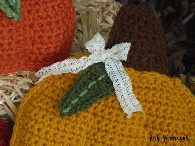 Leaf and Ribbon closeup on the Rustic Pumpkin Pillows crochet pattern