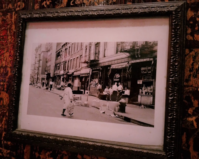 Uma-miúda-em-Nova-Iorque-3-armazem-de-ideias-ilimitada-johns-bleecker-street-old-photo