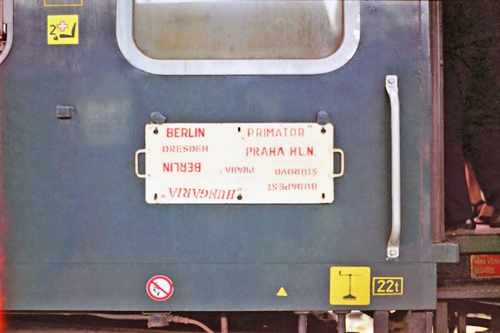 Bratislava, Hungarian railway, MAV, © L. Gigout, 1990