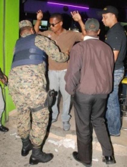 Periodico el coloso de macorix comerciantes spm se quejan for Interior y policia porte y tenencia