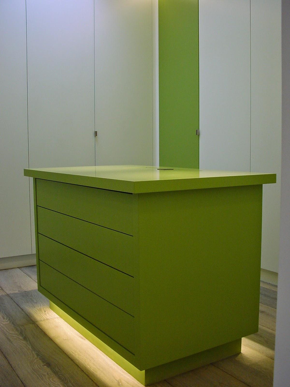 bois formes espaces ensemble dressing salle de bain dressing bathroom ensemble. Black Bedroom Furniture Sets. Home Design Ideas