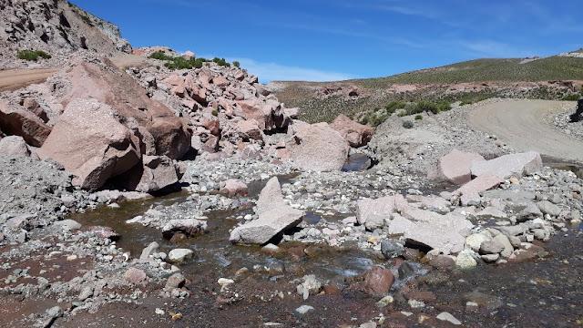 Auf den Fahrten in die Andendörfer kann ich immer wieder das herrliche Panorama der Anden genießen.