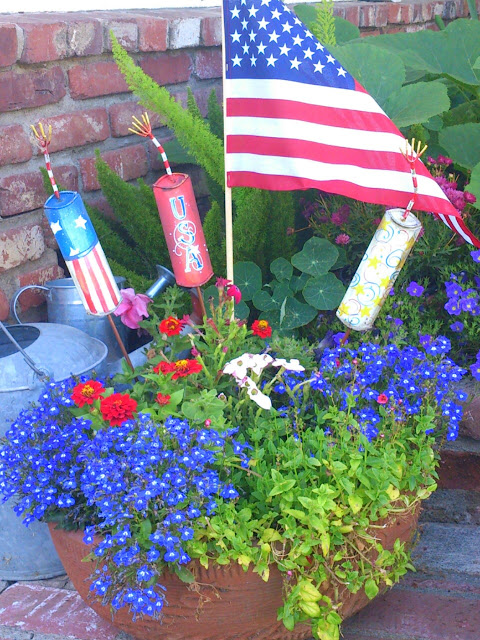 metal firecracker stakes, patriotic decor