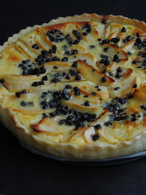 Apple Cream Tart with Chocolate Chips