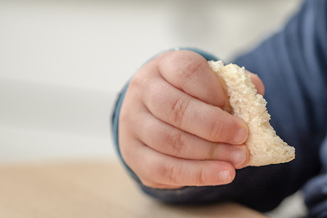 When Can Babies Eat Food for the First Time?