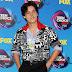 Cole Sprouse comparece ao Teen Choice Awards 2017 no Galen Center em Los Angeles, na California – 13/08/2017