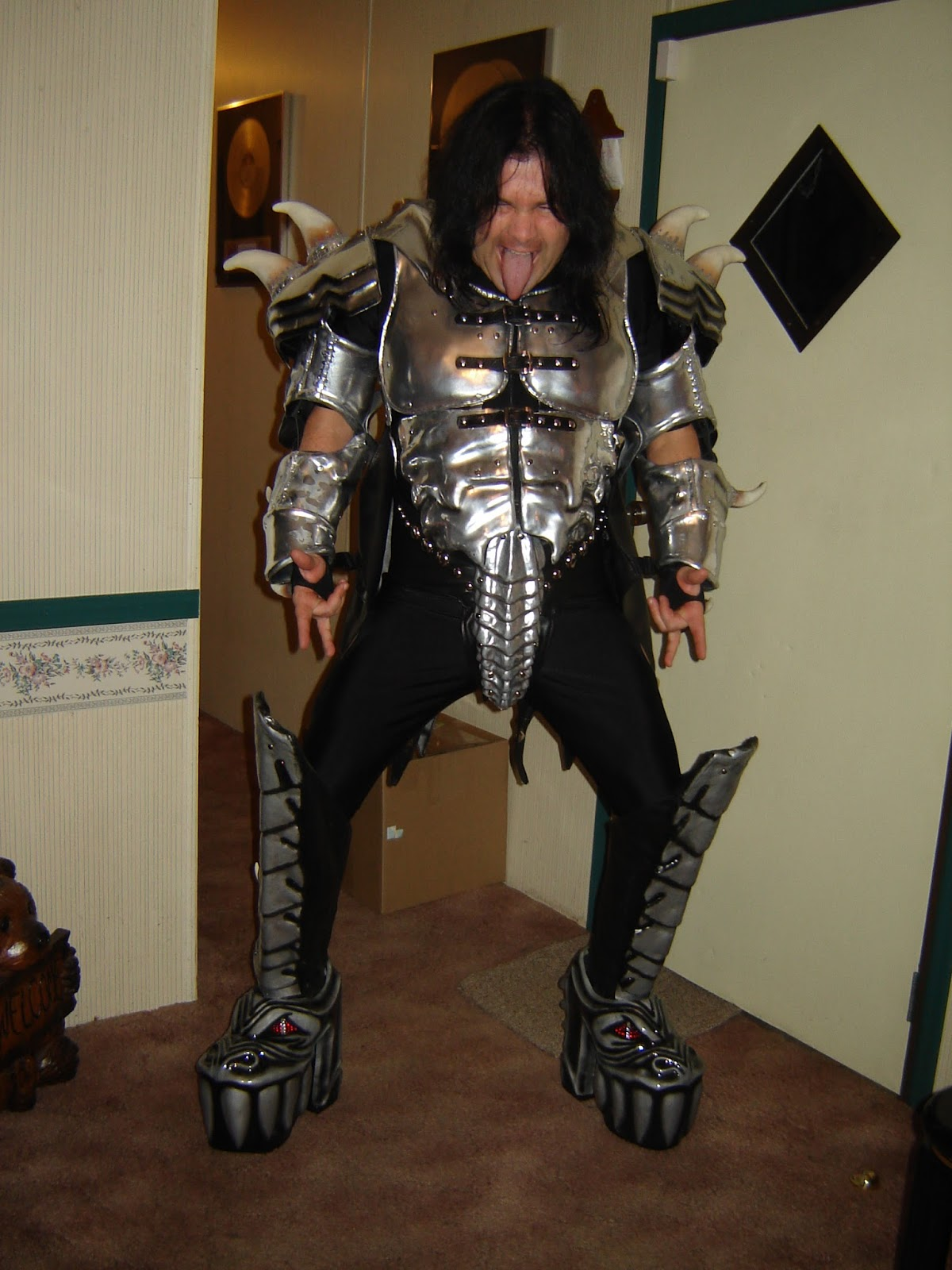 kiss costumes boots the gene simmons monster belt as well as the entire costume is now available. Black Bedroom Furniture Sets. Home Design Ideas