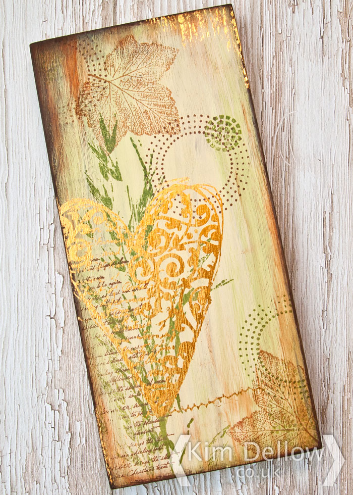 How to decorate a wood block, Video by Kim Dellow #videotutorial #KimDellow
