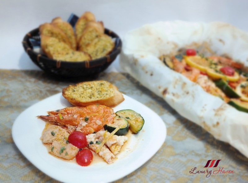 christmas festive baked seafood parcel garlic toast recipe