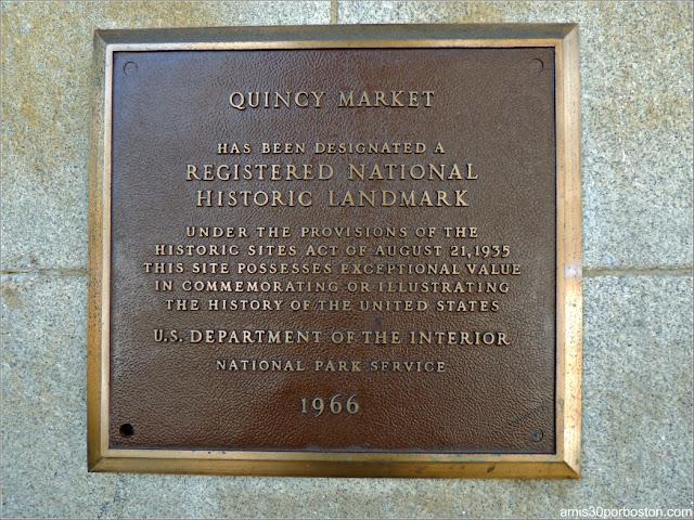 Placa del Registro Nacional de Lugares Históricos de Estados Unidos del Quincy Market, Boston